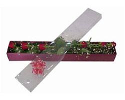 Ulus Ankara İnternetten çiçek siparişi   6 adet kirmizi gül kutu içinde