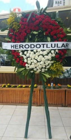 Cenaze çelengi cenazeye çiçek modeli