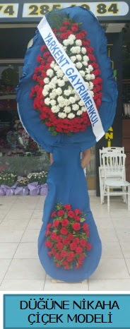Düğüne nikaha çiçek modeli