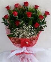11 adet kırmızı gülden görsel çiçek