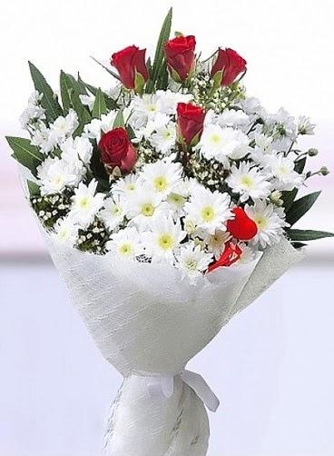 Sevdiğime papatya ve 5 kırmızı gül buketi  Ulus Ankara 14 şubat sevgililer günü çiçek